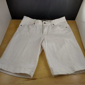 Levi's White Denim Knee Length Shorts 30